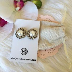 Jewelry - 🚨LAST ONE 🚨Rhinestone Pearl Earrings