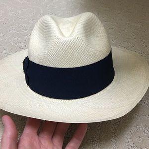 83a8ecef8f995 Tory Burch Accessories - Tory burch straw navy grosgrain ribbon hat fedora