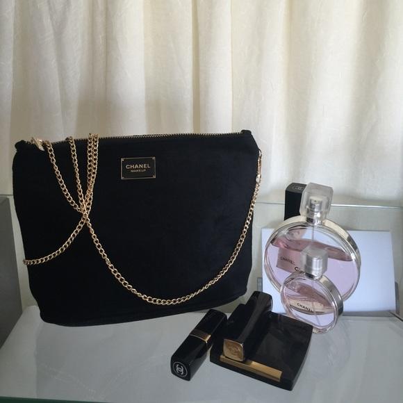 68c411590561 CHANEL Handbags - Chanel VIP GIFT velvet cosmetic bag with chain