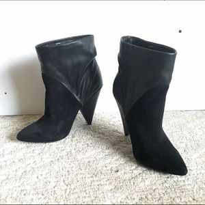 Steve Madden Shoes - Like NEW Steve Madden booties sz 8