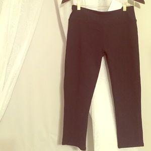 Black crop leggings