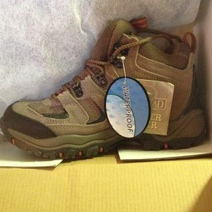 ca047d91441 RedHead Caliber Waterproof Hiking Boots for Ladies NWT