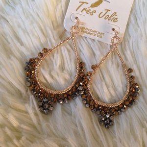 Jewelry - Black / gold drop earrings