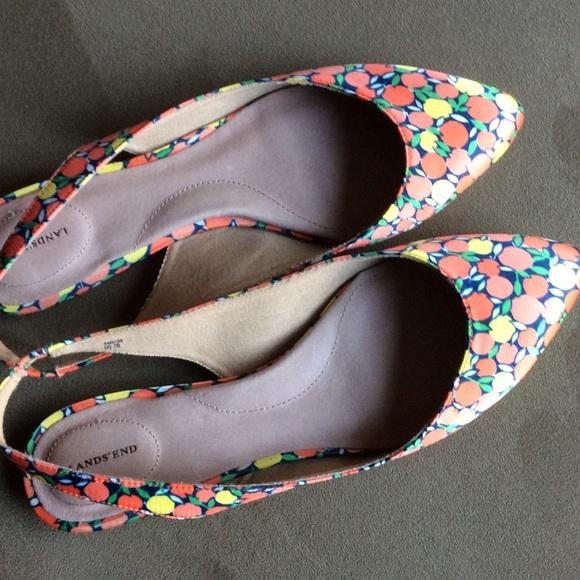 be9f40704ab Lands  End Shoes - 👠SALE👠 Gorgeous springy floral Lands End flats