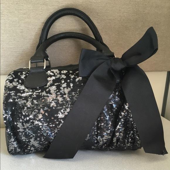 53cc05ece719 Black and sequin bowler purse. M 56e032736d64bc49a103b246