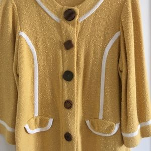Curio Sweaters - Beautiful Mustard Yellow Sweater w/ Funky Buttons