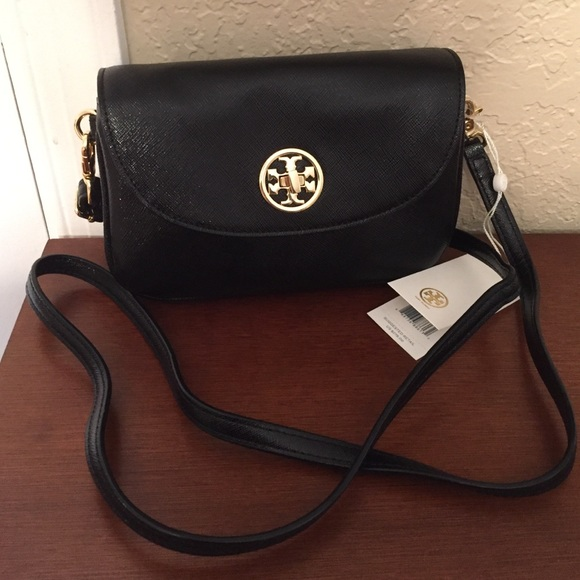 a327e0533cee 🆕Tory Burch Robinson mini crossbody in Black. NWT