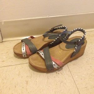 Shoes - Wedge mulch color sandal New