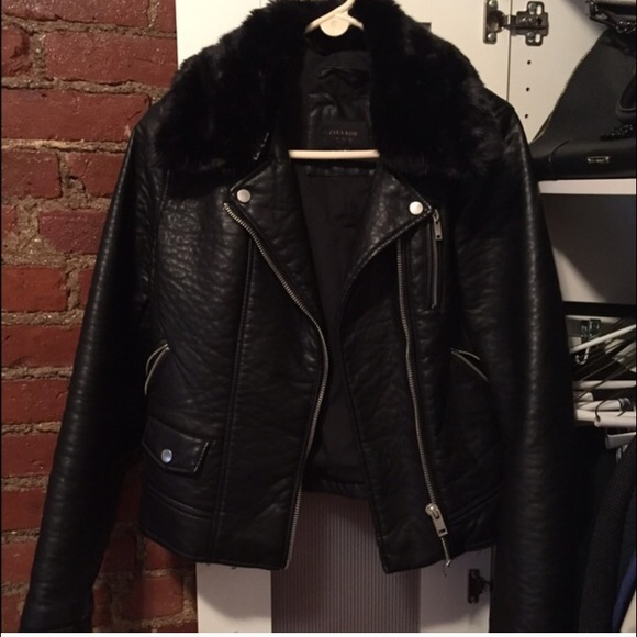 e6b32b90 Zara Black Leather Moto jacket with fur collar