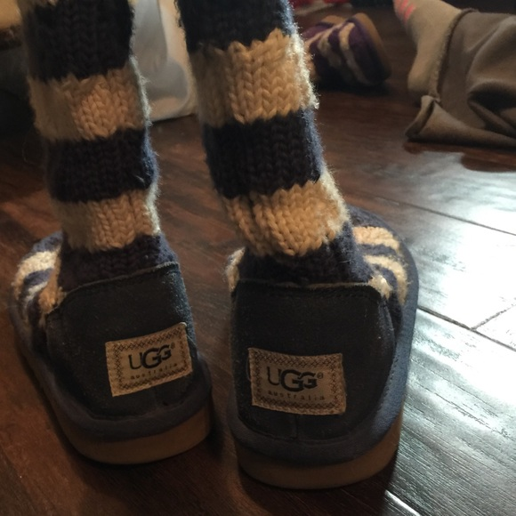ugg blue and white striped