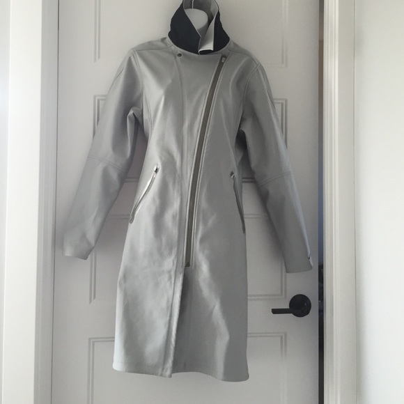 2f0aa34c38f0 Nike Women trenchcoat coat gray black large trench.  M 56e098194127d04f4800acaf