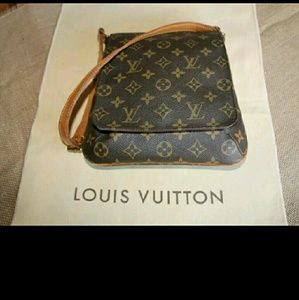 Louis Vuitton Handbags - Louis Vuitton Musette Salsa