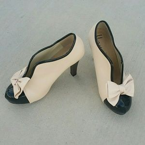 Brand new bow pumps