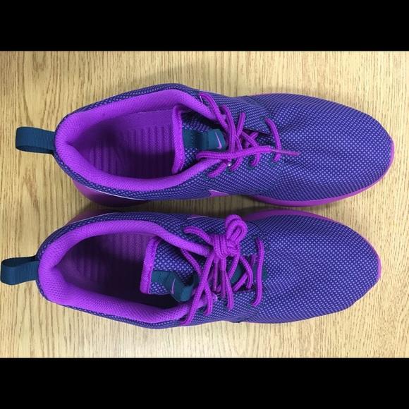 52 nike shoes nike roche run size 8 s shoes