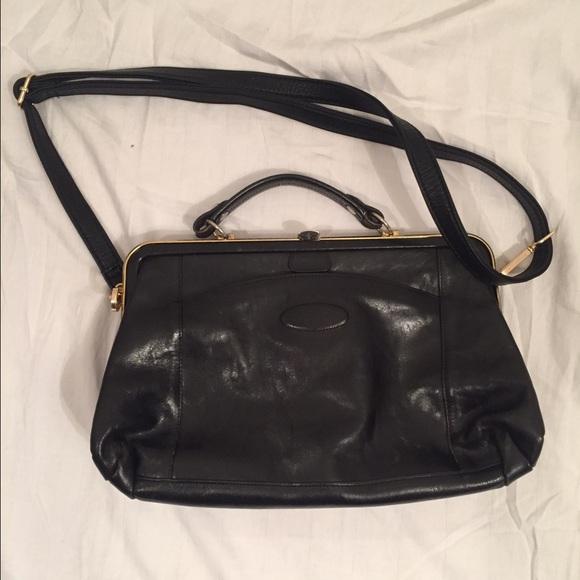 Oroton vintage Leather bag black. M 56ede8416a583016f60437c6 cbb64b38e0378