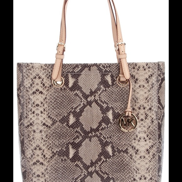 55097dc0bb Authentic Michael Kors Tote - Lowest Price!! M 56f087dd2fd0b7e887002dd1