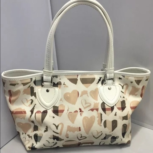 Burberry Handbags - Auth Burberry nova check hearts large bag w code 074aa3fd725eb