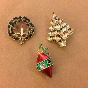 Jewelry - Christmas brooches