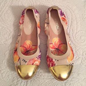 Naturalizer Shoes - Gold Cap Toe Floral Flats