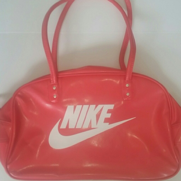 Womens Nike Heritage Leather Shoulder Travel Bag 73e27340dd