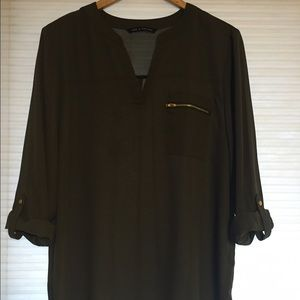 Tops - Olive green shirt with zipper pocket