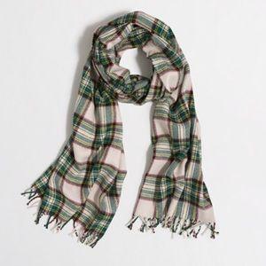 Price reduced 💃🏻 plaid scarf