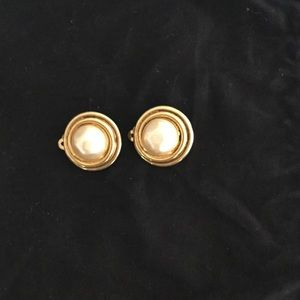 Vintage Chanel pearl earrings, with clip on back.