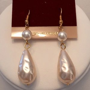 Hypo allergenic drop/dangle earrings faux pearls