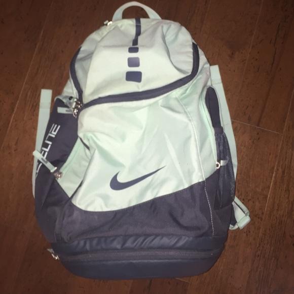 b6228e95f615 Nike Elite mint green backpack. M 56e1decf6a5830b71e00045f