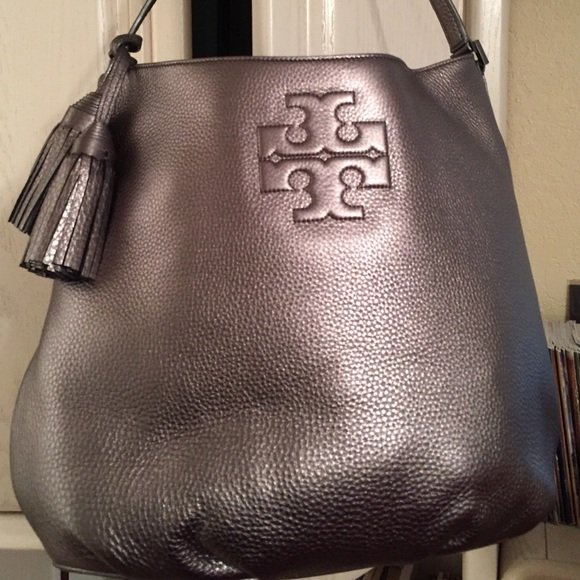 78a06e92a 🆕Tory Burch Thea Hobo in Gunmetal Leather. NWT