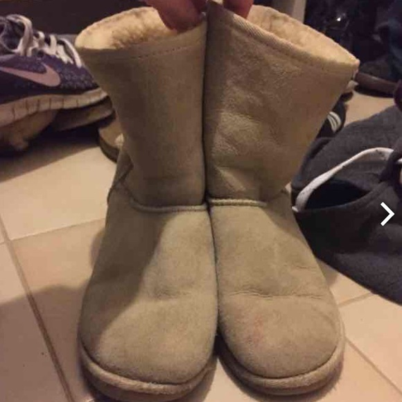 88 off ugg shoes sand uggs from sara 39 s closet on poshmark. Black Bedroom Furniture Sets. Home Design Ideas