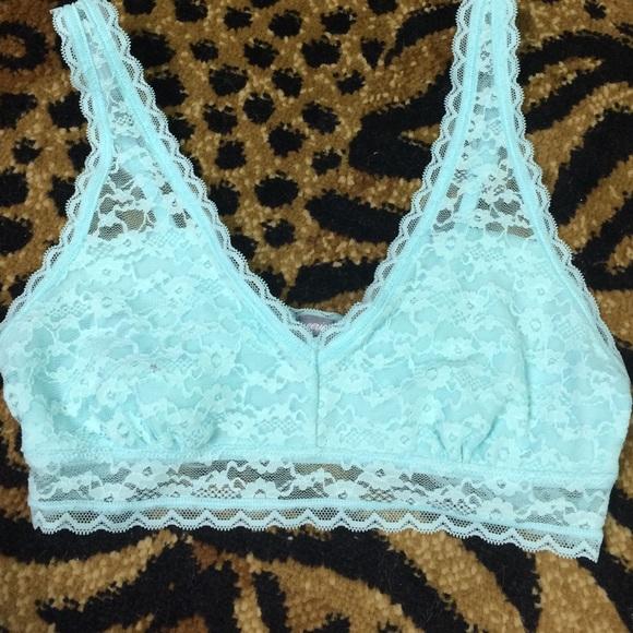 f9106f411a69 Tiffany blue lace bandeau crop top bra. M 56e1ed78b4188edfa6001ba3