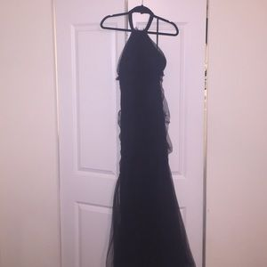 Cache size 4 black tie dress