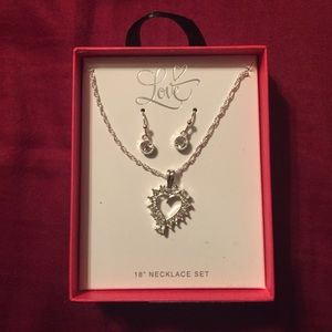 """Love heart pendant 18"""" Necklace Set"""
