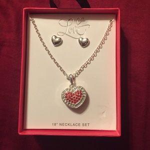 Love heart pendant necklace set