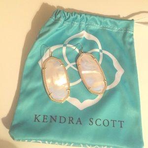 Kendra Scott Danielle white pearl