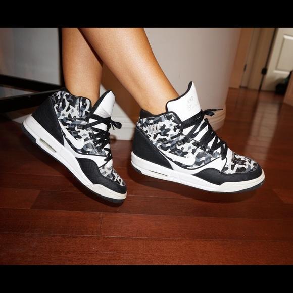 Nike Shoes | Nike High Top White Grey
