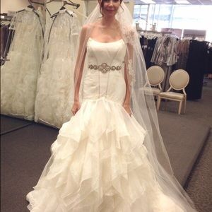 4f63c7fe40 Zac Posen Dresses - Truly Zac Posen Wedding Dress with Sash