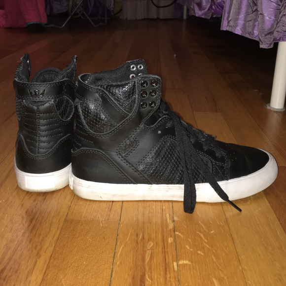 buy online fc1d4 f2ece Supra Shoes | Womens Black Leather And Snake Skin Skytop | Poshmark
