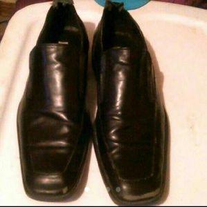MEN'S SIZE 11 BLACK USED STEVE MADDEN DRESS SHOES
