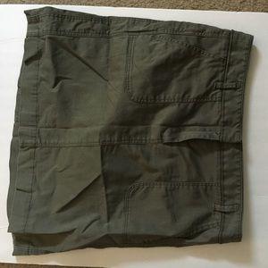 Loft green cargo skirt size 4