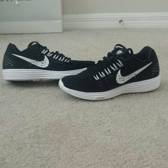 various colors 901ce af3b0 NEW Nike Lunarlon women s sneakers black   white