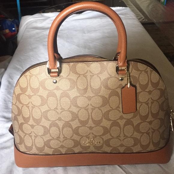 909998c76 Coach Bags | Authentic Signature Sierra Bag | Poshmark