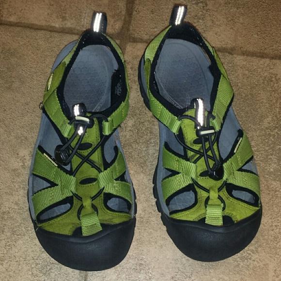 6a2ad572ceb3 Keen Shoes - Womens sz 7.5 green KEEN sandals