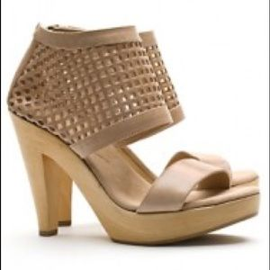 Loeffler Randall Tan Leather Pump Sandals 10 NWT