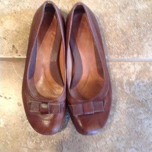 Nurture Shoes - Brown leather comfort flats by Nurture EUC