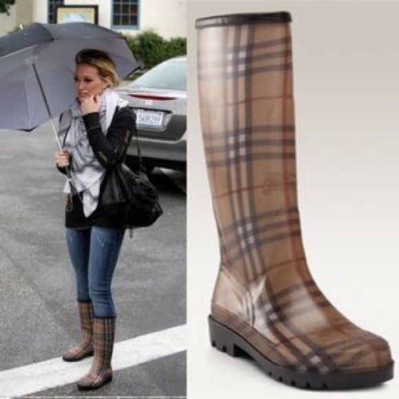 Burberry Shoes Womens Housecheck Rubber Rain Boots