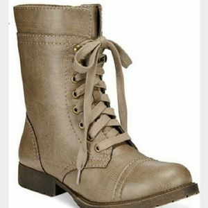 Rampage Shoes - 🆕Rampage lace up booties