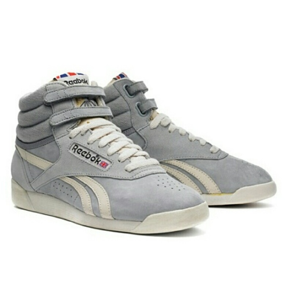 cd5f82368f3 Reebok Freestyle Hi Vintage sz 10 high top Velcro.  M 56e32ff6c6c795efc4002c45