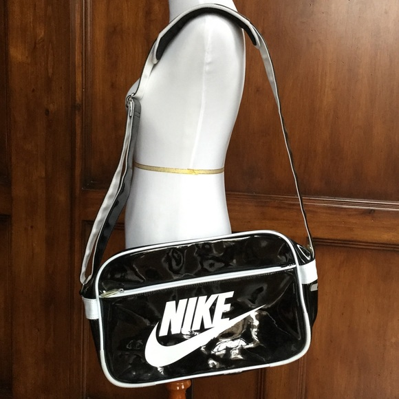 3430d5a05262 nike handbags cheap   OFF47% The Largest Catalog Discounts
